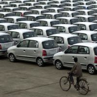 What do Indian car buyers want in 2015? New rides, to begin with